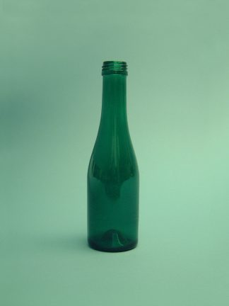 "Sugar glass Sparkling bottle ""Piccolo"". Color: Green, 19 x ø 5.5 cm."