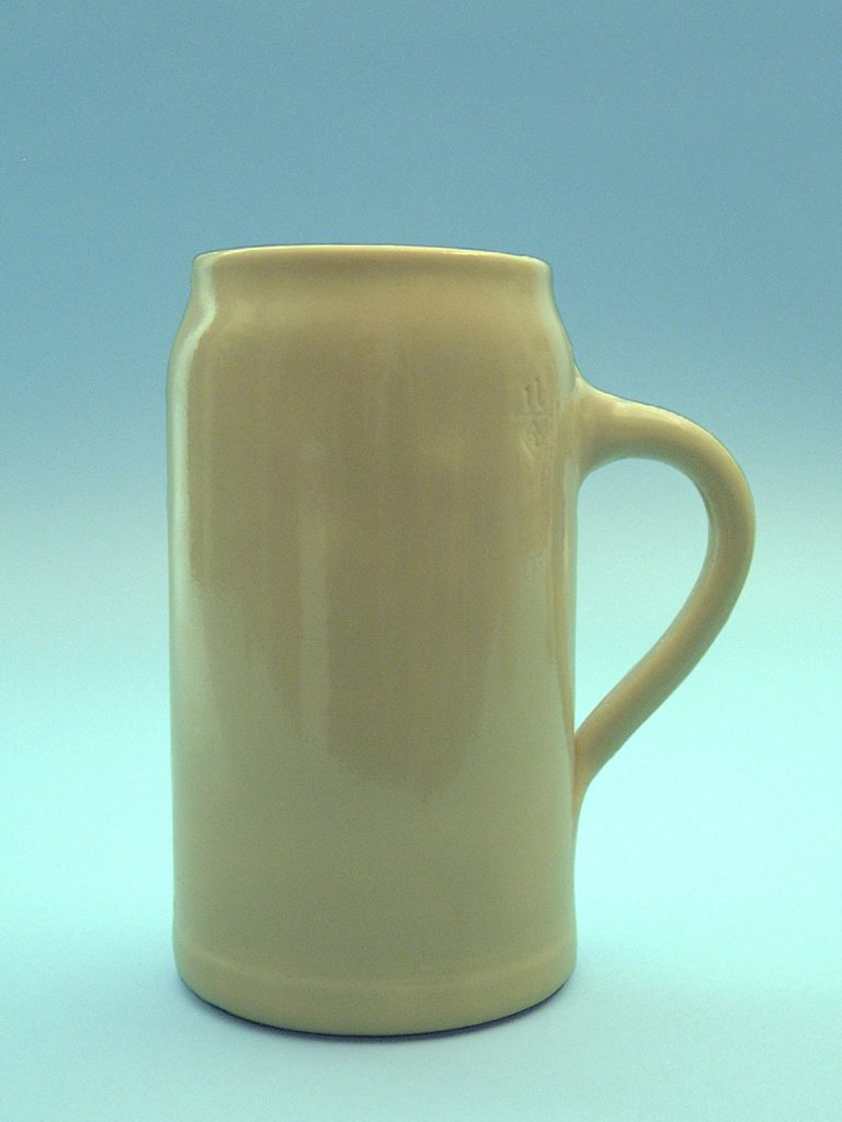 Beer mug sugar glass / stunt glass, 19.5 x 11 cm.