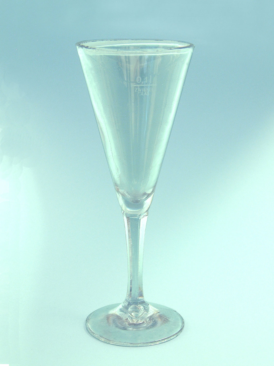 Sparkling glass made of sugar glass. Long stem-conical, HxW 19.5 x 7.5 cm.