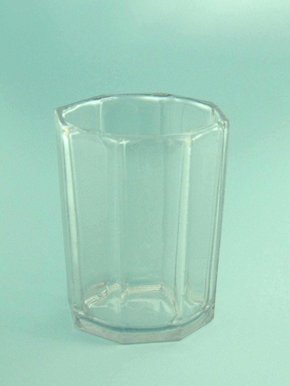 Safety glass - sugar glass - Whisky glass octagonal 9.5 x 8 cm.