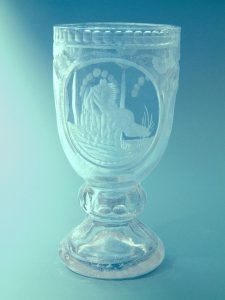 Sugar glass Wine chalice Horse motif, 17 x 8.5 cm