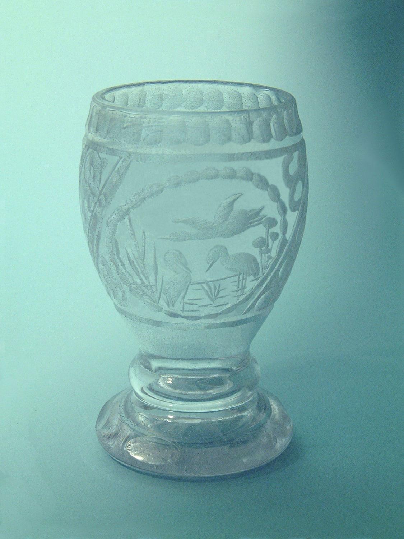 Wine chalice with a fish motif, sugar glass, 17 x 8.5 cm