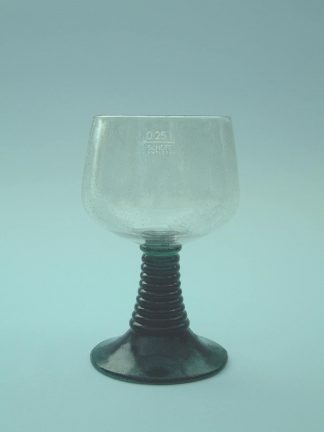 Safety glass / sugar glass Wine glass-Roman. HxW .: 13.5 x 8 cm.