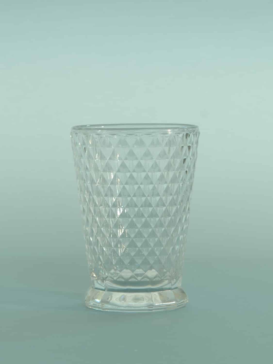 For your video clip this sugar glass Whiskey glass. Cut diamond motif, HxW 10.5 x 7.5 cm.