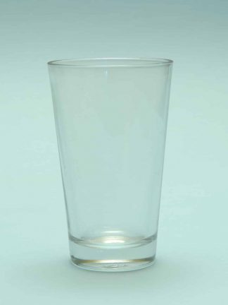 Film and video Beer glass 0.5 Liter. Dimensions H * W is 16.8 x 10.3 cm .. Model: Old Straight Pint Glass