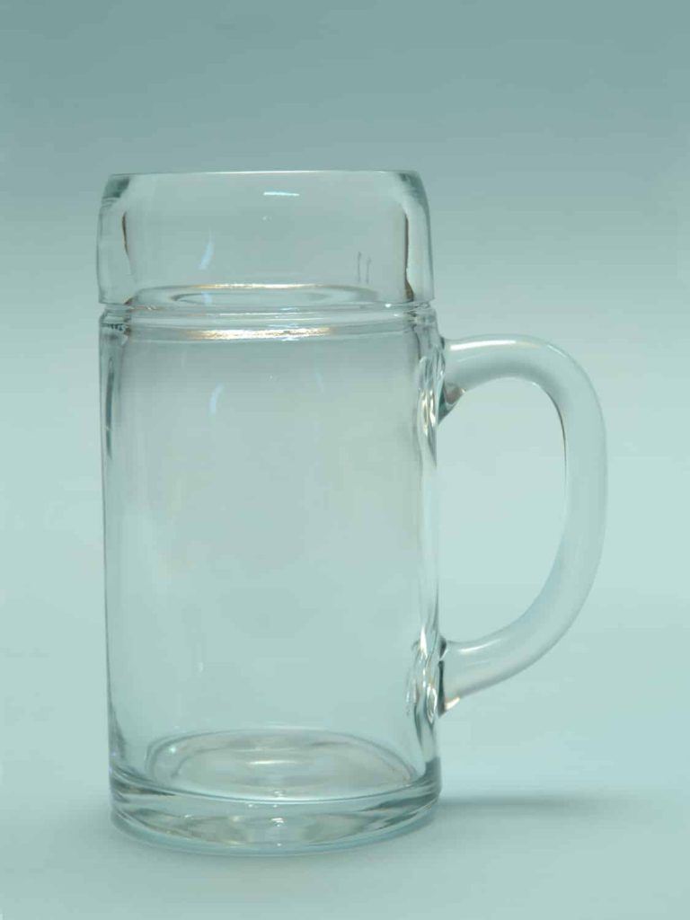 Suikerglas waterkan / Bierpul 1L glad. Hoogte x Breedte : 20 x 10,5 cm.