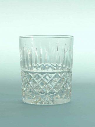 Stuntglas breakaway Whiskyglas, Kristal geslepen. H*B 10 x 8,2 cm.