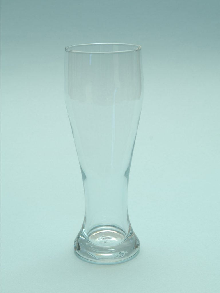 Stunt glass for film. Sugar glass Wheat beer glass 0.5L. Height x width 23 x 8.1 cm.