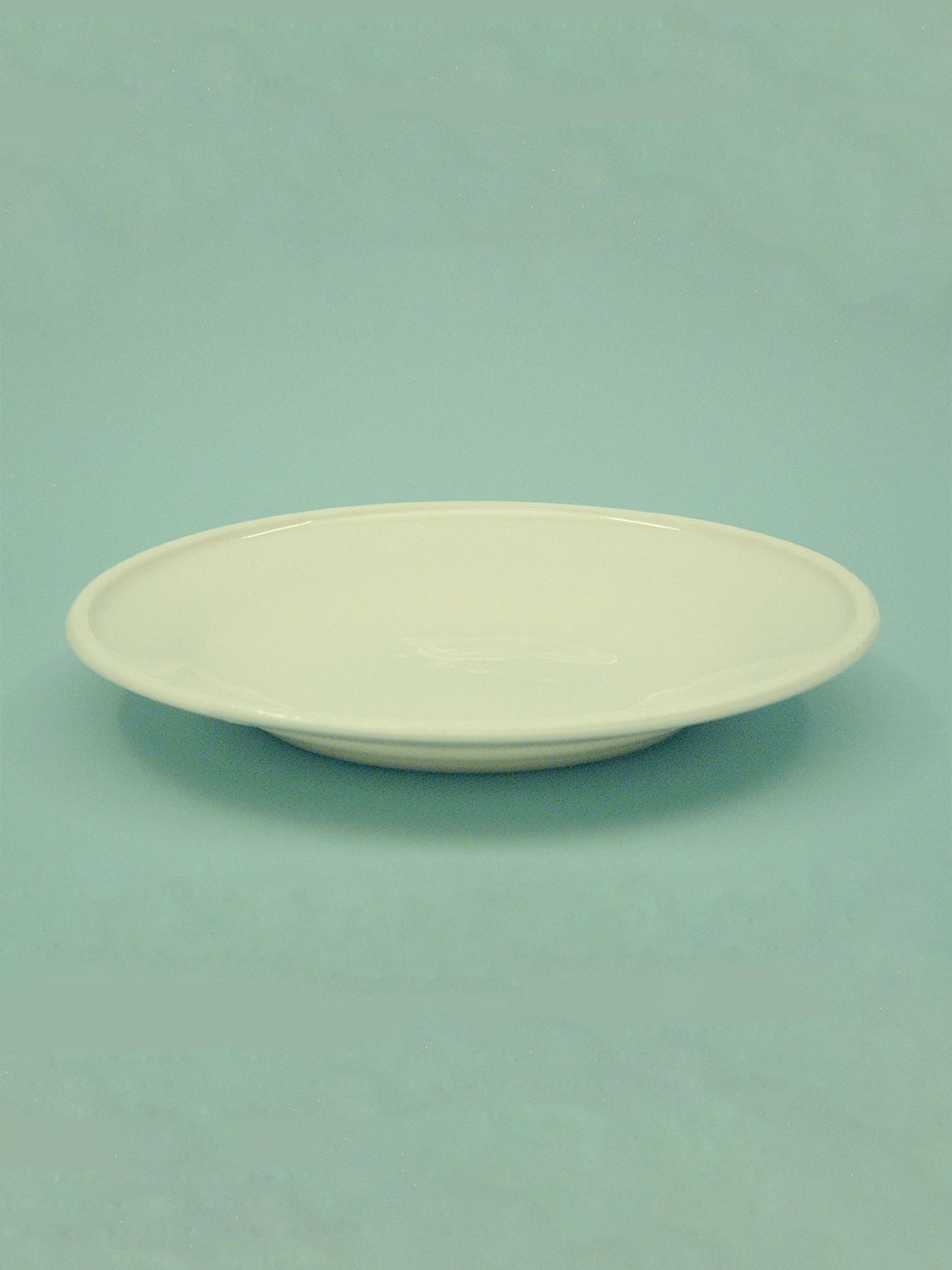 Breakaway plate or dish for the breakfast table made of sugar glass. 0200 - Table plate, 3 cm x ø 23 cm.