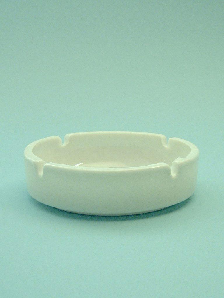 Sugar glass ashtray, White 4 x ø 14 cm.