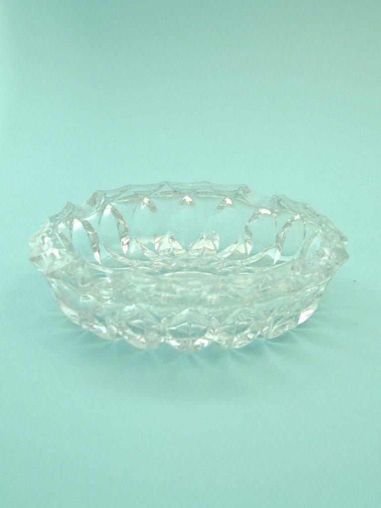 Sugar glass ashtray. 3.8 X 14 centimeters