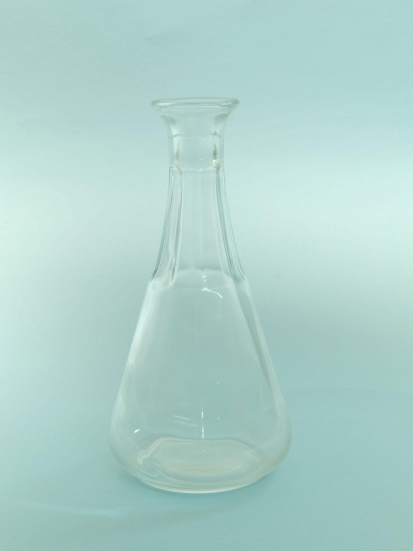 Wijnkaraf. Product suikerglas.