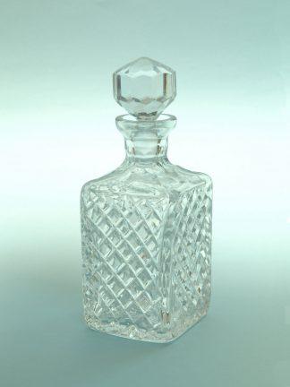 """Suikerglas Kristalkaraf, """"Geruit"""", afmeting 19,5 (25,5) x ø 9,5 cm."""