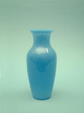 Witte suikerglas vaas. Vaas gemaakt van suikerglas voor film/video. Standaard, Wit 22,5 x 10 cm.