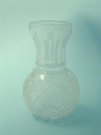 Transparent sugar glass Crystal vase spherical shape 21.5 x 13 cm.
