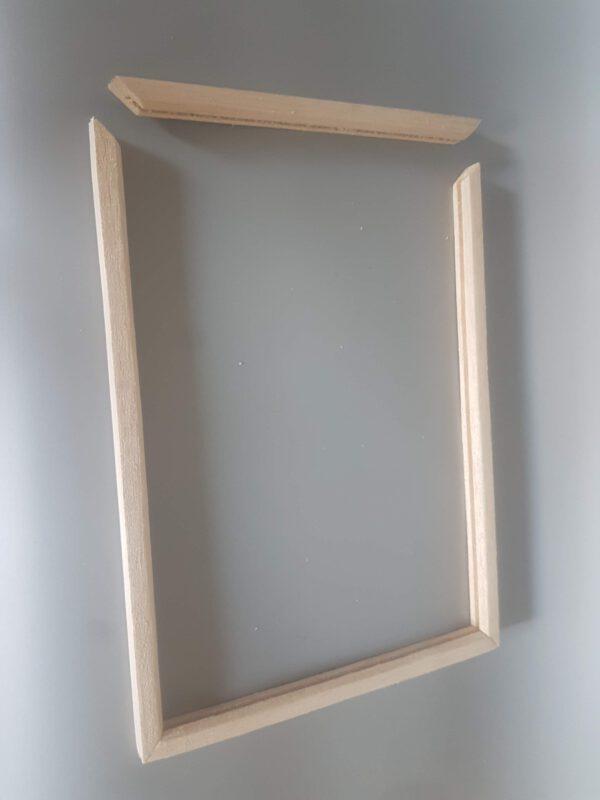 Balsahout framewerk voor je ruitjes van suikerglas.